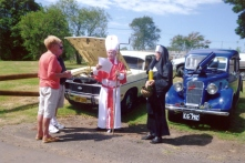 Len & Shirley with their Falcon - Shir and Ann & Vics Austin 10 - Ozzie Blu